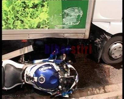 Motociclist omorât de un şofer de TIR
