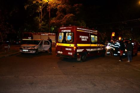 Maşină răsturnată în Oradea, după ce o şoferiţă nu a acordat prioritate (FOTO / VIDEO)