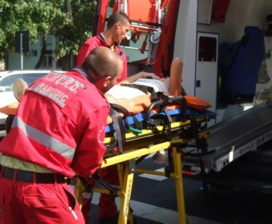 Microbuz în şanţ: Şase persoane au fost rănite, în urma unui accident petrecut între Săcueni şi Valea lui Mihai