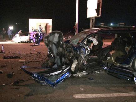 Accident mortal pe Borşului: Soţul unei judecătoare şi un poliţist de frontieră s-au ciocnit frontal (FOTO)