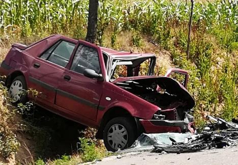 Accidentul frontal de la Tilecuş a fost provocat de un tânăr care a intrat cu maşina pe contrasens