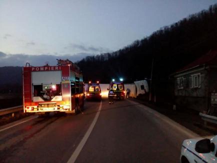 Trafic blocat pe DN 1, Huedin-Oradea: Două persoane au murit, încă două sunt grav rănite într-un accident (FOTO)
