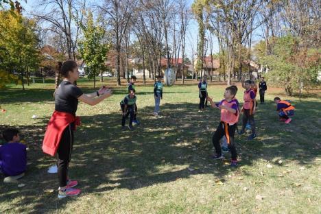 """Sport în parc: Elevii de la """"Oltea Doamna"""" au ocupat Parcul Brătianu (FOTO)"""
