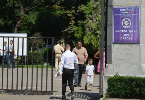 Mai multe locuri fără taxă la admitere: Universitatea din Oradea a primit 54 de locuri numai pentru absolvenţii din mediul rural