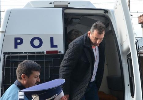 Şpăgi în serie: Primarul Beiuşului, Adrian Domocoş, trimis în judecată şi în 'dosarul Unicarm'