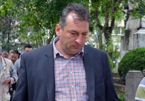 Candidat degeaba: Primarul Beiuşului, Adrian Domocoş, a fost condamnat definitiv şi nu mai poate fi ales!