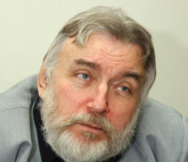 Adrian Păunescu, internat în stare gravă