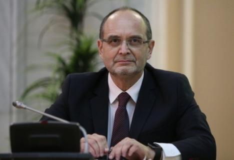 Elevi din toată ţara se adună la Oradea, ca să-şi aleagă liderii. Invitat special: ministrul Adrian Curaj