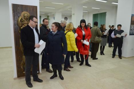 Alegerile pentru profesorii din Senatul Universităţii s-au încheiat şi au fost validate: Au votat peste 700 de universitari (FOTO)
