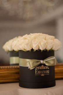 Fii un gentleman adevărat şi oferă-i cadoul perfect: un aranjament Emozioni! (FOTO)