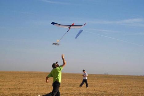Zbor în voie: Salonta găzduieşte Campionatul Naţional de aeromodelism