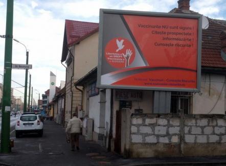 În mai multe oraşe din România au apărut panouri publicitare anti-vaccinare. Arafat: Sunt un atentat la sănătatea publică