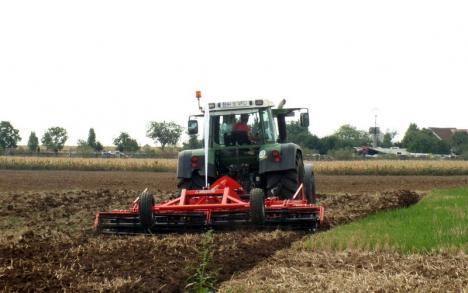 DNA Oradea arată cum se fură în agricultură: fermieri care cer subvenţii pentru terenuri pe care nu le au