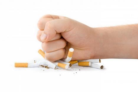Plasturii cu nicotină şi alte medicamente pentru combaterea fumatului s-ar putea compensa