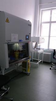 Bolojan: Angajații firmelor vor putea fi testați pentru coronavirus contra cost. Oradea are un al treilea aparat PCR, dintr-o donație RCS&RDS (FOTO)