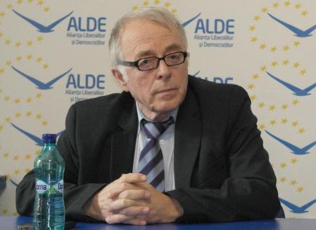 Un lider ALDE acuză Primăria Oradea că 'naţionalizează' terenuri