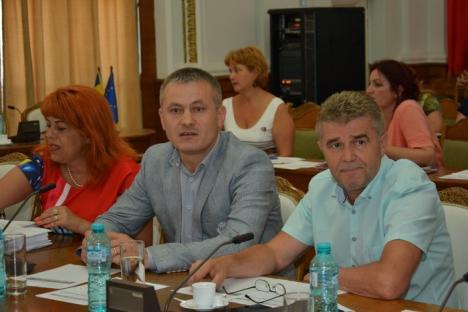 Mircea Mălan a revenit în funcţia de viceprimar al Oradiei (FOTO)