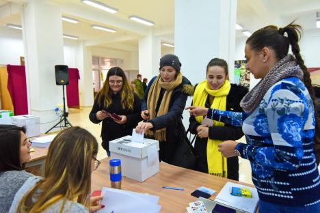 Studenții au noi reprezentanți în Senatul Universității din Oradea. Lista noilor senatori