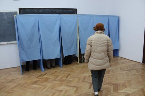 PDL-iştii, acuzaţi că au încercat să-şi pună oamenii ca preşedinţi şi locţiitori în secţiile de votare