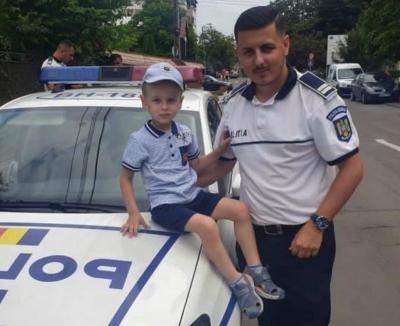 """Mesaj emoţionant al unui tânăr poliţist din Oradea pentru bihoreni şi sora lui, asistentă în spitalul COVID-19: """"Cu toţii suntem în prima linie! #Anda, eşti eroul meu!' (FOTO / VIDEO)"""