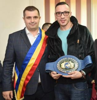 Alexandru Jur va boxa pentru prima dată în România, chiar la el acasă, în Sînmartin
