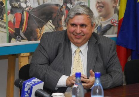 Kiss la odihnă: Fostul şef al UDMR Bihor, Alexandru Kiss, se pensionează