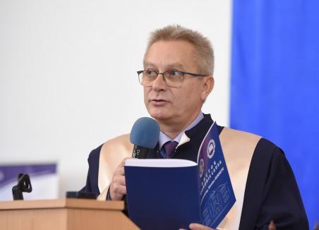 Covid-19 se răspândeşte tot mai tare: Un decan al Universităţii din Oradea, infectat cu coronavirus. Preventiv, două facultăţi s-au mutat în online