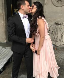 Prezentatoarea Alina Puşcaş s-a măritat. A ales o rochie semnată de un designer bihorean (FOTO)