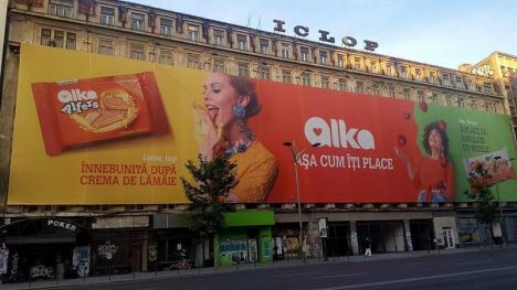 """""""Îi place cu ochii închiși"""": Alka a fost amendată cu 10.000 lei pentru reclame sexiste (FOTO)"""