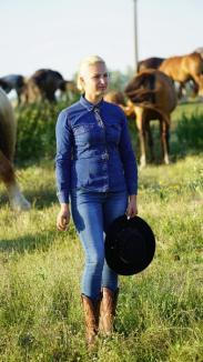 'Amazoana' din Săcueni: O tânără din Bihor moşteneşte cea mai mare herghelie privată din ţară (FOTO/VIDEO)