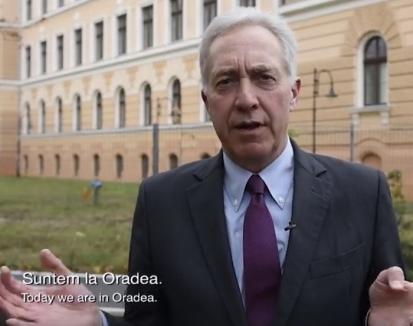 """Ambasadorul SUA Hans Klemm îndeamnă pe Facebook: """"Vă rog să vizitaţi Oradea, are cel mai frumos centru istoric din România, e încântător"""" (VIDEO)"""