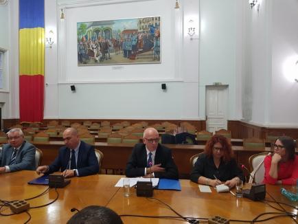 Ambasadorul german a vizitat Oradea. Primarul Bolojan a discutat cu el despre reluarea zborurilor spre Germania (FOTO)