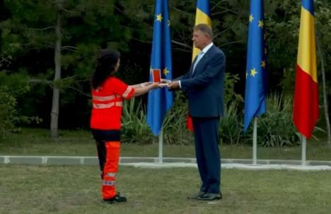 O doctoriţă şi o asistentă din Bihor, decorate de preşedintele Klaus Iohannis(FOTO / VIDEO)