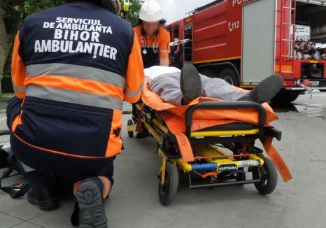 Un şofer de autobuz din Oradea a fost găsit mort şi dezbrăcat în maşina cu care trebuia să meargă în cursă