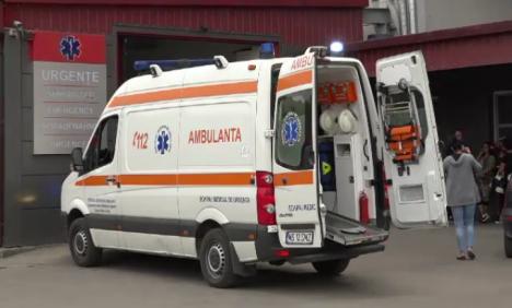Atac şocant: Bărbat stropit cu acid sulfuric, când a deschis uşa casei