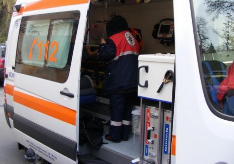 Accident cu 3 răniți: Un taximetrist nu s-a asigurat şi s-a izbit cu maşina de un alt autoturism