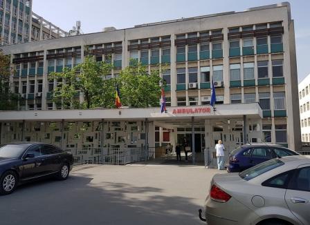 Ne enervează: La ambulatoriul Spitalului Municipal din Oradea programările sunt... misiune imposibilă!