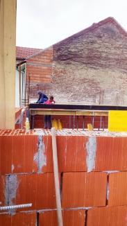 Construcţia ambulatoriului Spitalului Militar din Oradea a ajuns în faza turnării plăcii parterului
