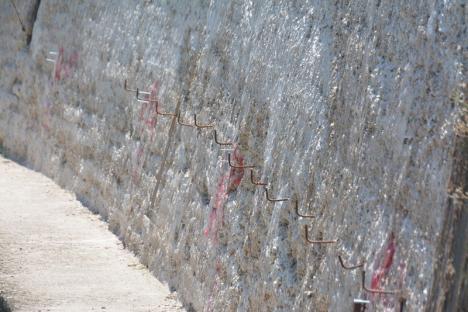 Inginerie la max! Lucrările la promenada de pe malul stâng al Crişului trec prin cea mai spectaculoasă fază (FOTO)