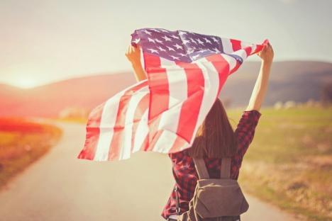 Minora din sistemul de protecţie, dusă ilegal anul trecut în Statele Unite, va putea pleca la studii peste Ocean