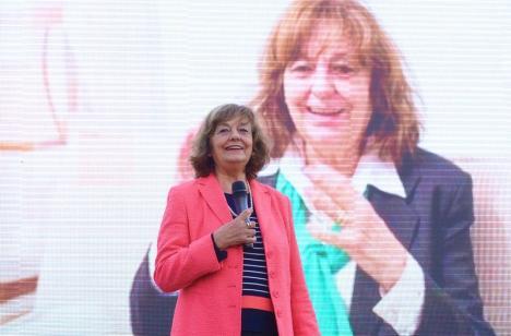 Ana Blandiana va lansa 'Integrala poemelor' la Oradea
