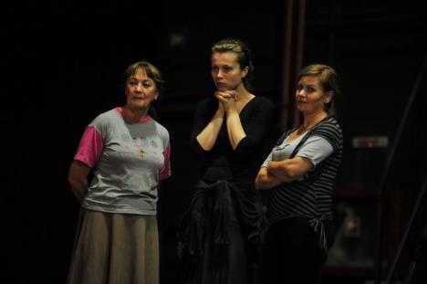 Orădeanca Anca Bradu regizează un nou spectacol la Teatrul Szigligeti