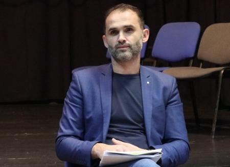 Andrian Locovei nu mai este directorul artistic al trupei Iosif Vulcan a Teatrului Regina Maria