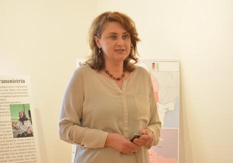 Maestra execuţiilor: Directoarea Muzeului oraşului Oradea îşi 'mazileşte' contestatarii unul după altul