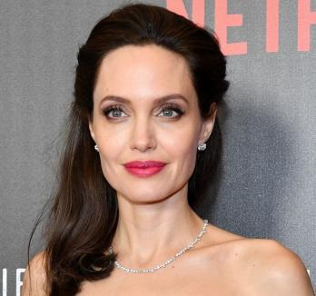 Angelina Jolie şi politica: Se gândeşte să candideze la preşedinţia Statelor Unite ale Americii