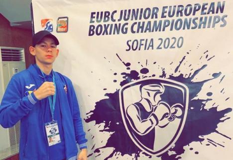Debut cu victorie pentru pugilistul orădean Angelo Covaci la Campionatul European de box pentru juniori