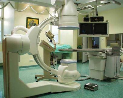 Cornel Popa îi cere ministrului Cseke să nu 'sară' angiograful din Oradea de la finanţare