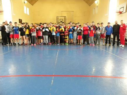 Pugiliştii de la Basti Box Salonta s-au pregătit alături de peste 50 de sportivi, pentru Openul Zagrebului