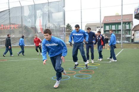 Deşi gripaţi, jucătorii de la FC Bihor joacă sâmbătă în campionat cu Arieşul Turda