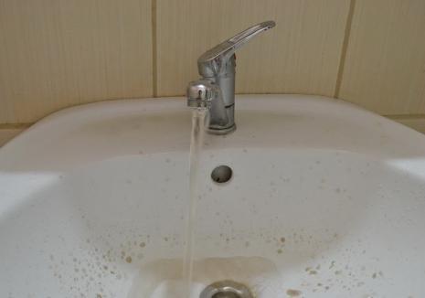 Faceți-vă provizii! Compania de Apă Oradea spală conductele, vezi când vei fi afectat!